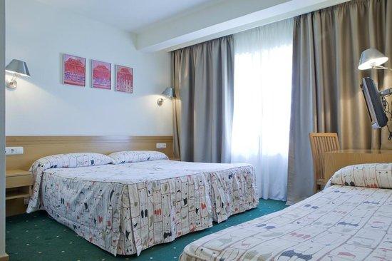 Hotel Zaragoza Plaza: Habitación