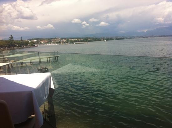 vista lago - Picture of Le Terrazze, Desenzano Del Garda - TripAdvisor