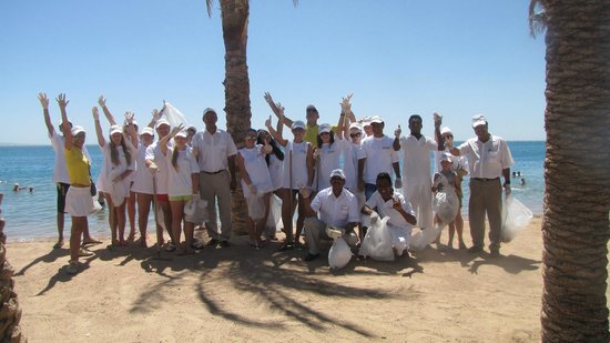 Sindbad Beach Resort : Clean up day in Beach Resort in 2. June