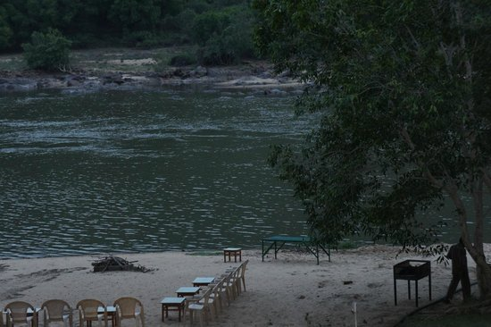 Galibore Nature Camp: the flowing river
