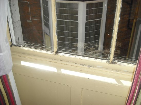 Hotel Prince Regent: Window frame and view