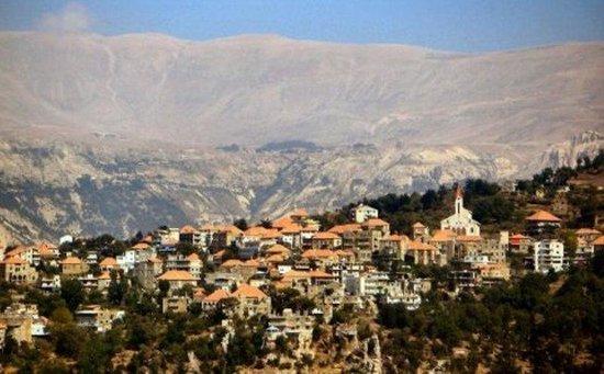 Hasroun, Lebanon: حصرون وردة الجبل