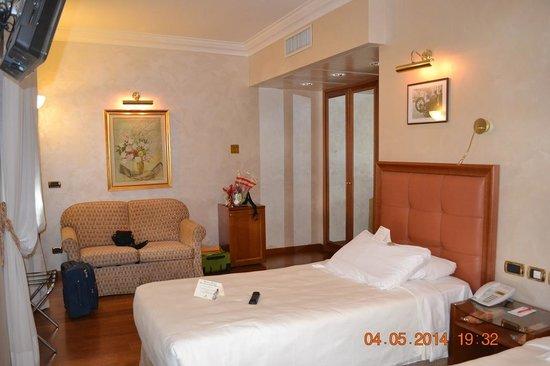 Hotel Berna: Номер