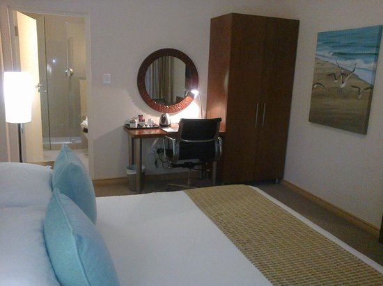 The Sir David Boutique Guest House: Petite Sea Facing room