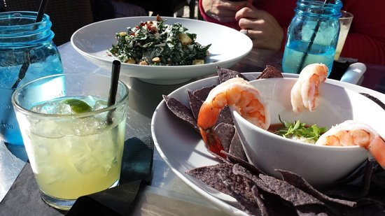 Pacific Edge Hotel on Laguna Beach: Kale salad, shrimp cocktail, and drinks