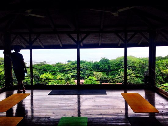 Horizon Ocean View Hotel and Yoga Center: Yoga deck with ocean view
