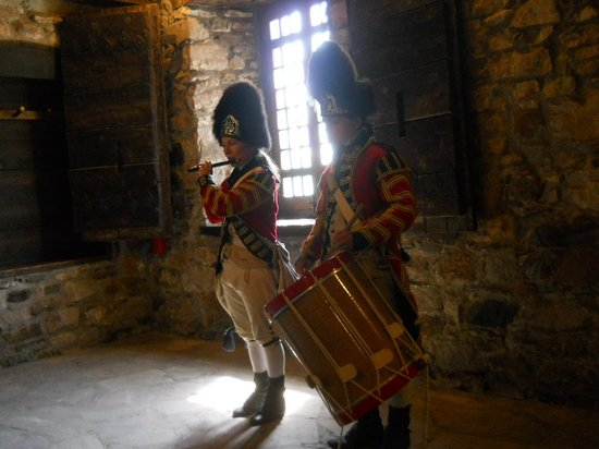 Old Fort Niagara: Fife and Drum