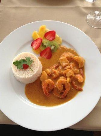 A Lota: Prawn and Scallop Curry