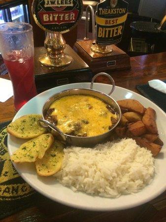 Black Bull Pub: Chilli half and half