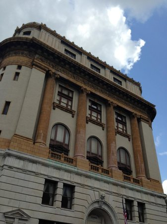 Savannah Bike Tours: Shriners Temple