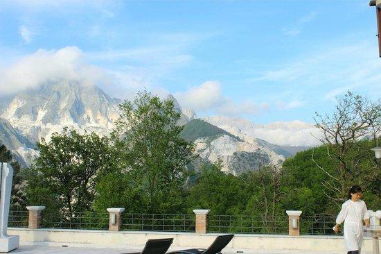 Galleria Ars Apua B&B : Vista delle cave di marmo