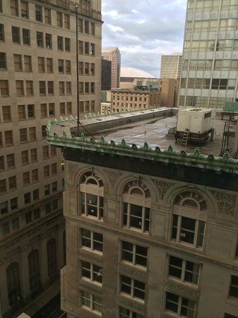 Hampton Inn & Suites New Orleans Downtown (French Quarter Area): View from Room. Super Dome in the Distance!