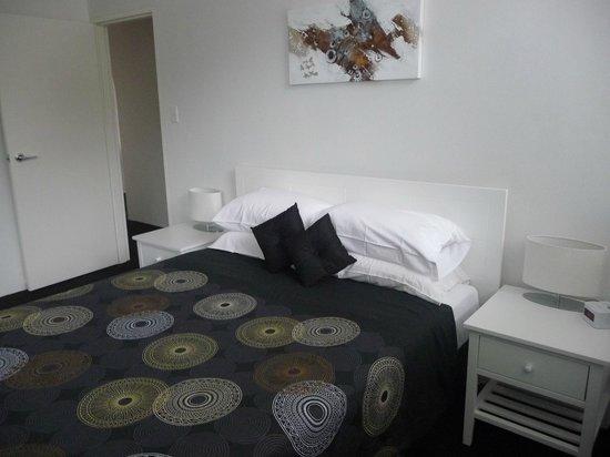 Riverview Apartments: Main bedroom