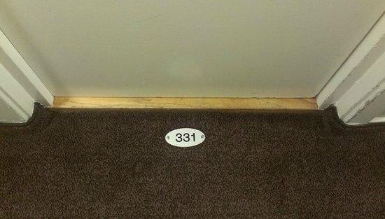 Scandic Holberg: Room number on the carpet!