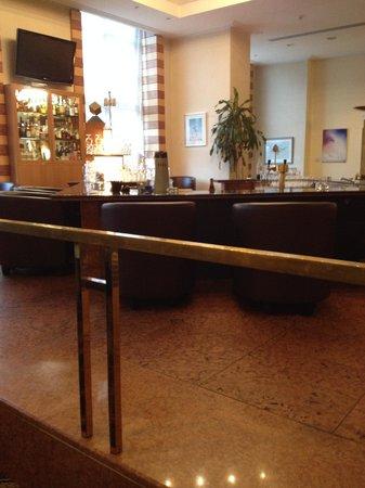 Wyndham Duisburger Hof: Bar area