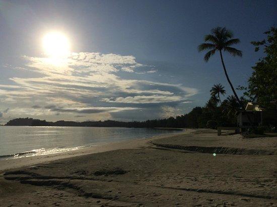 Nirwana Gardens - Nirwana Resort Hotel : The Beach at Sunrise