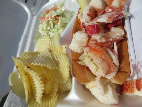 Down East Lobster Company: Lobster roll