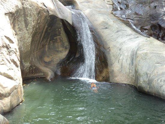 Ella Jungle Resort: Natural pool