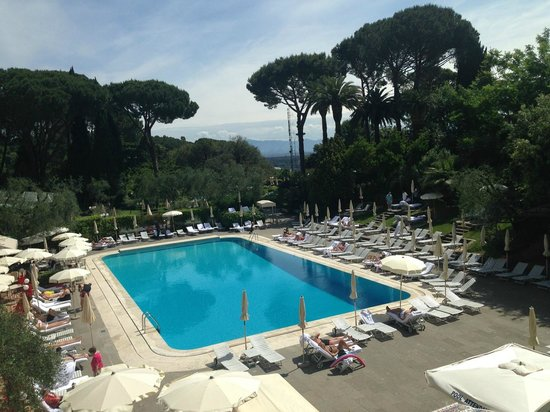 Rome Cavalieri, Waldorf Astoria Hotels & Resorts: Piscine