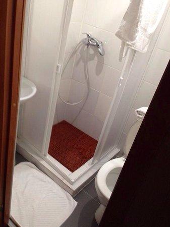 Hotel Mini on Tishinskiy : В комнате #5 свой малюююсенький санузел )
