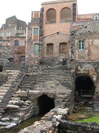 Parco Archeologico Greco Romano di Catania: View of theatre area