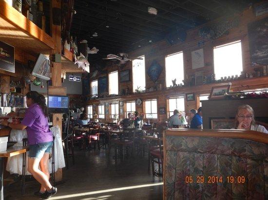 Castaway Waterfront Restaurant & Sushi Bar : Castaway Dining Room
