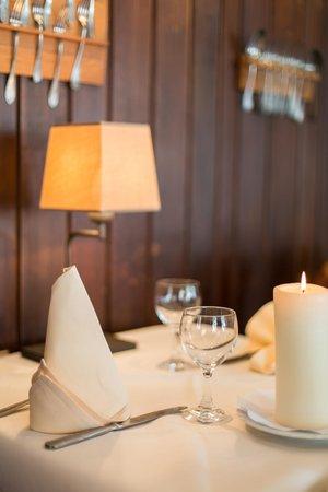 Eetkamer-restaurant - Foto van In De Groene Wandeling, Damme ...