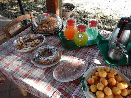 Agriturismo Le case del merlo: Les gâteaux de Tina ......................