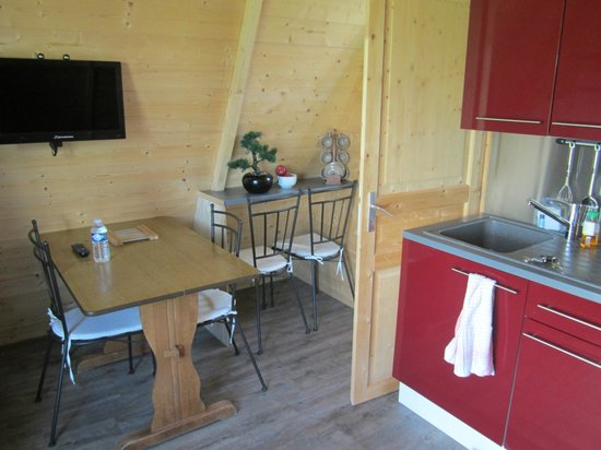 Cerza Safari Lodge : Aperçu de la salle à manger/salon