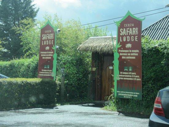 Entrée du Cerza Safari Lodge