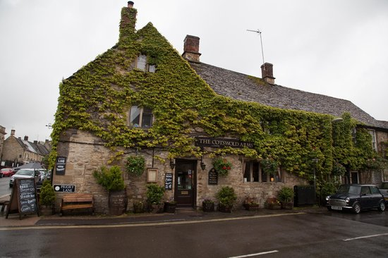 The Cotswold Arms: Outside view
