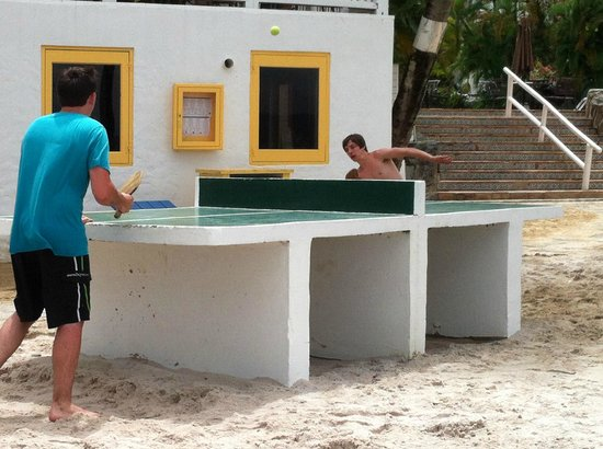 Windjammer Landing Villa Beach Resort: guys loved the table tennis