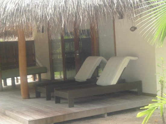 Kuramathi Island Resort: Sun Loungers