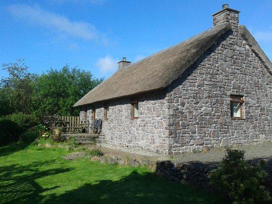 Clan Cottages: cottage