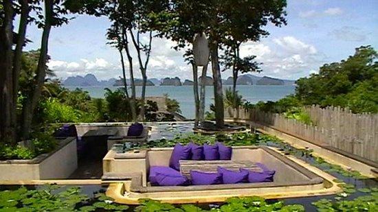 Six Senses Yao Noi : The Den outdoor seating