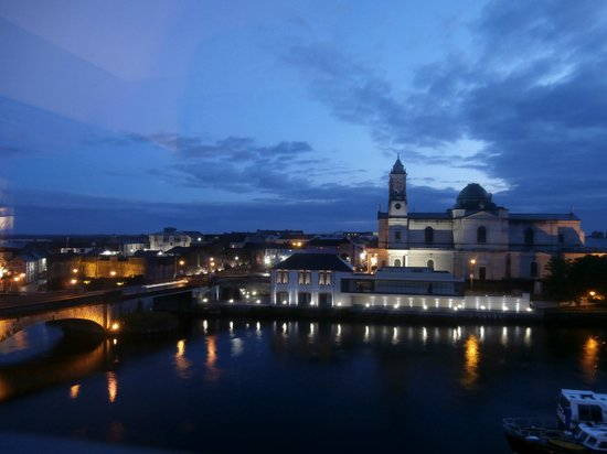 Radisson Blu Hotel, Athlone : Evening view