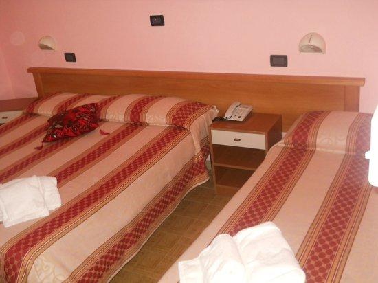 Hotel AVE: camera tripla economy