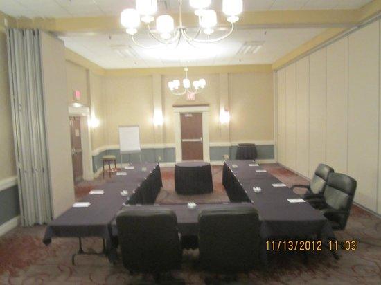 RIT Inn & Conference Center: U-Shape Meeting Set