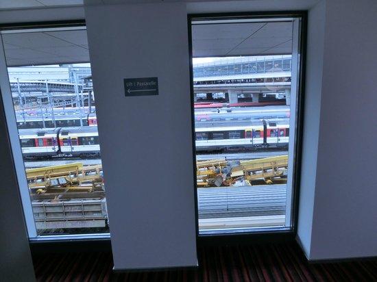 Radisson Blu Hotel, Lucerne : 廊下からの眺め