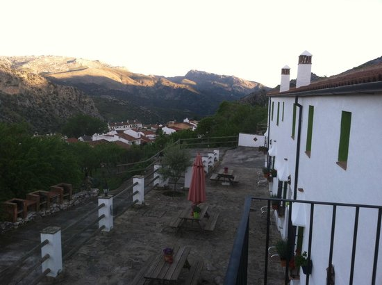 Cortijo Fuente Marchal : Hotel Commons area overlooking Montejaque