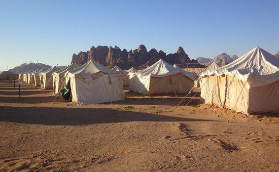 Jabal Rum Camp : Aperçu de toiles de tentes