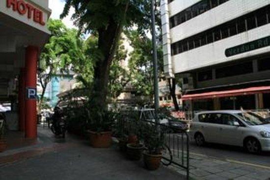 Tai Hoe : outsite hotel 2