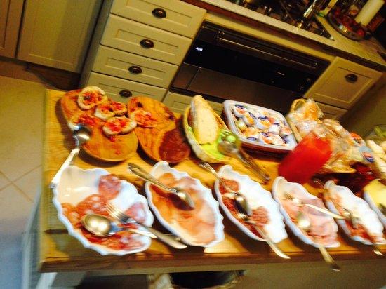 La Terrazza Di Reggello: breakfast