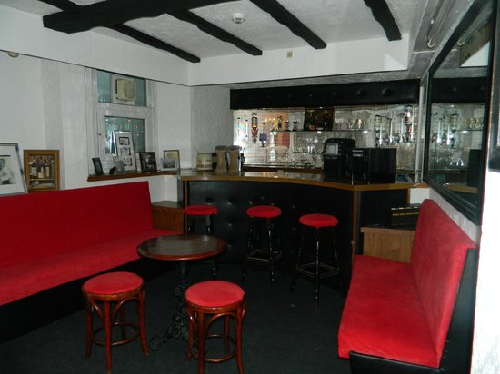 Jaylana Guest Accommodation : Bar and Seating Area