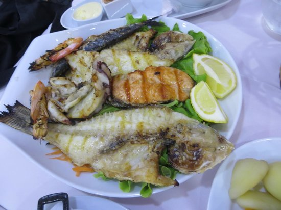 Restaurante Marisqueira Concha D`ouro : Mixed grilled platter for one