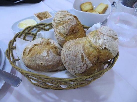 Restaurante Marisqueira Concha D`ouro: Extra bread