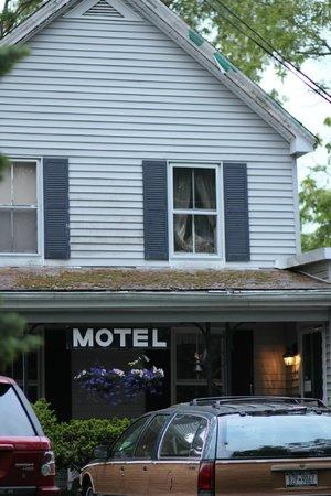 Mattituck Motel: Bates-esque