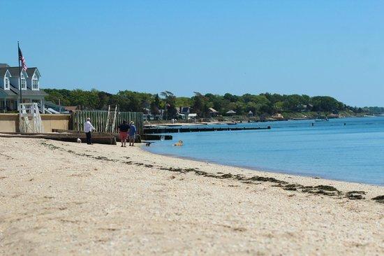 Mattituck Motel: private beach