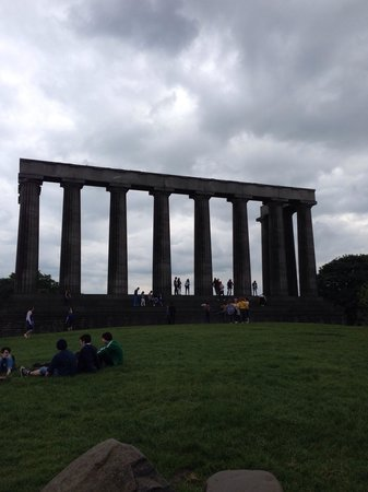 The portuguese canon picture of calton hill edinburgh for 13 regent terrace edinburgh