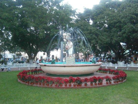 Valladolid: La fontana all'interno della piazza principale!!!